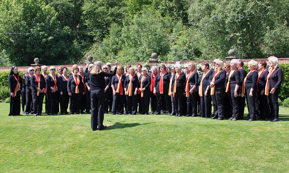 4-ON-TOUR-May-18-Singing-at-Chartwell